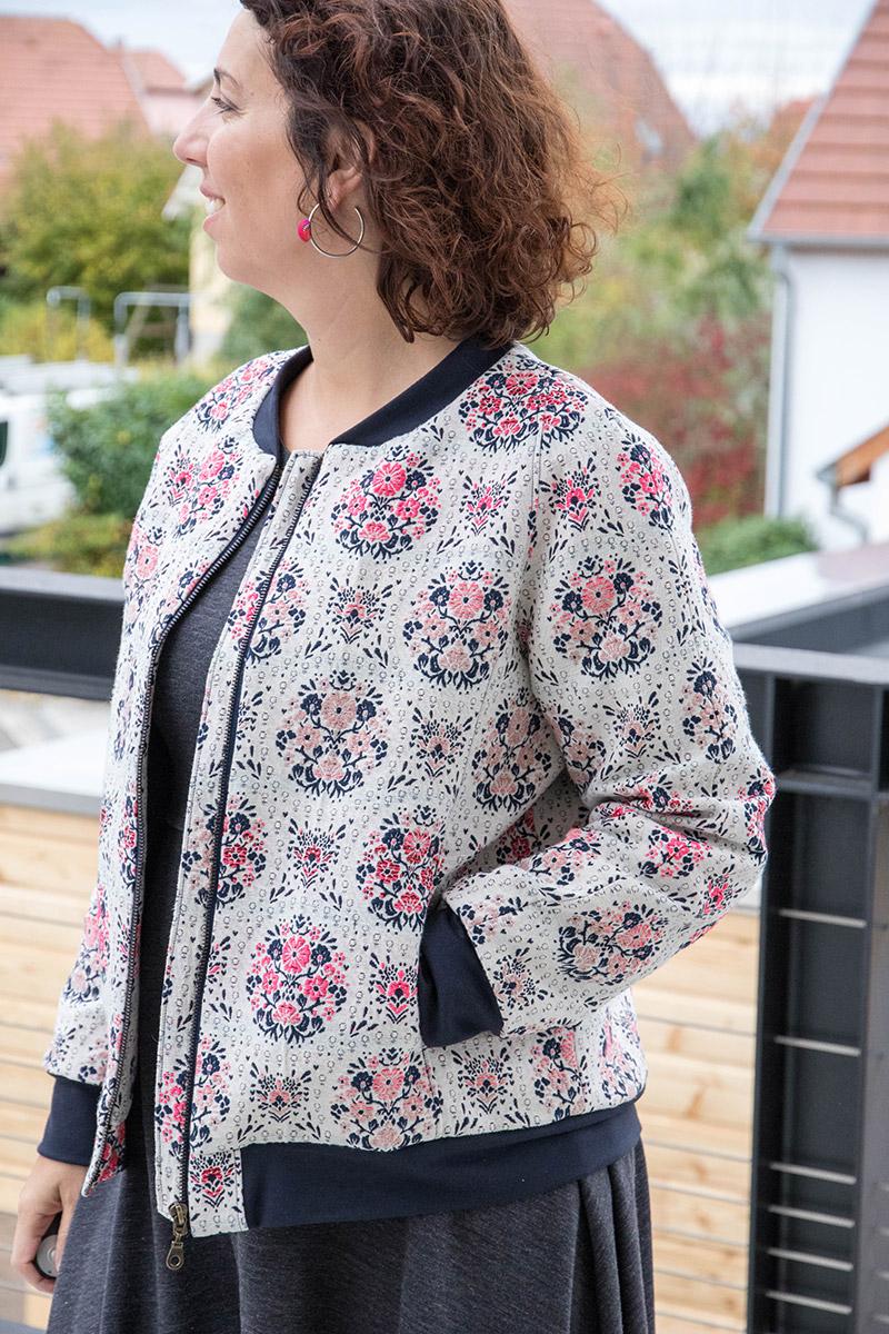 Couture : Bomber jacket du magazine Ottobre 02/2017 en jacquard - Avril sur un fil
