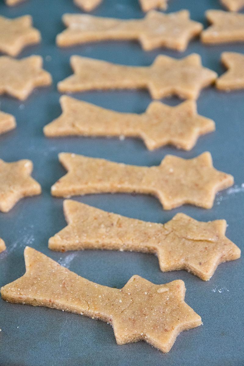Bredeles étoiles filantes épeautre noisette, voici la recette - Avril sur un fil