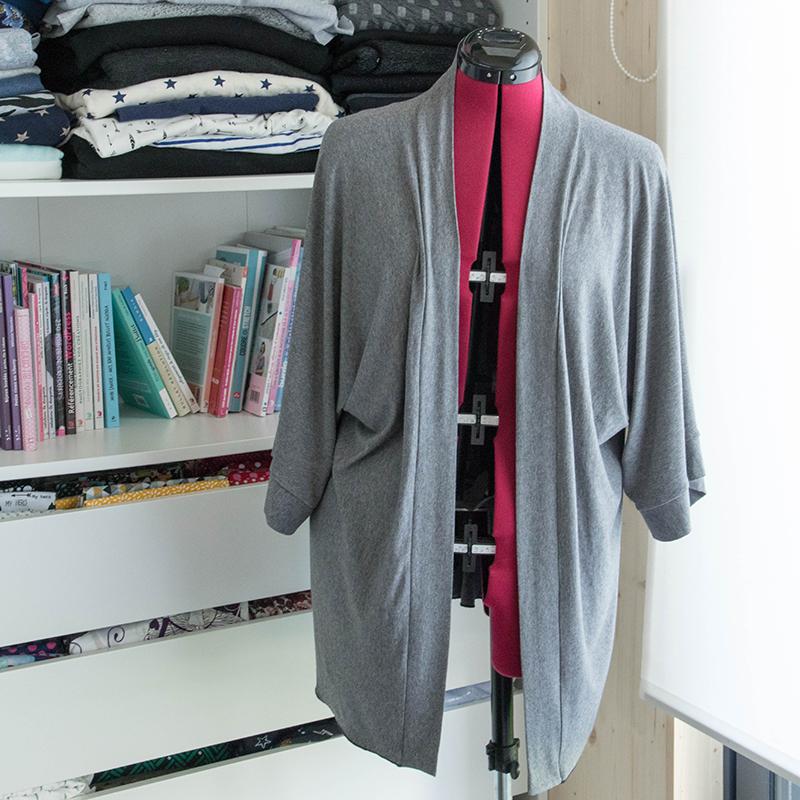 Kimono à coudre lors de l'atelier dompter sa surjeteuse - Avril sur un fil