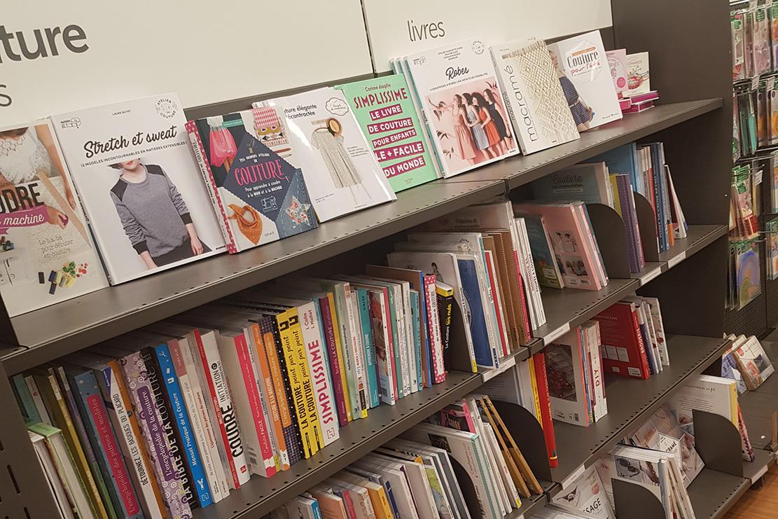 Rayon livres au magasin cultura de geispolsheim - Avril sur un fil