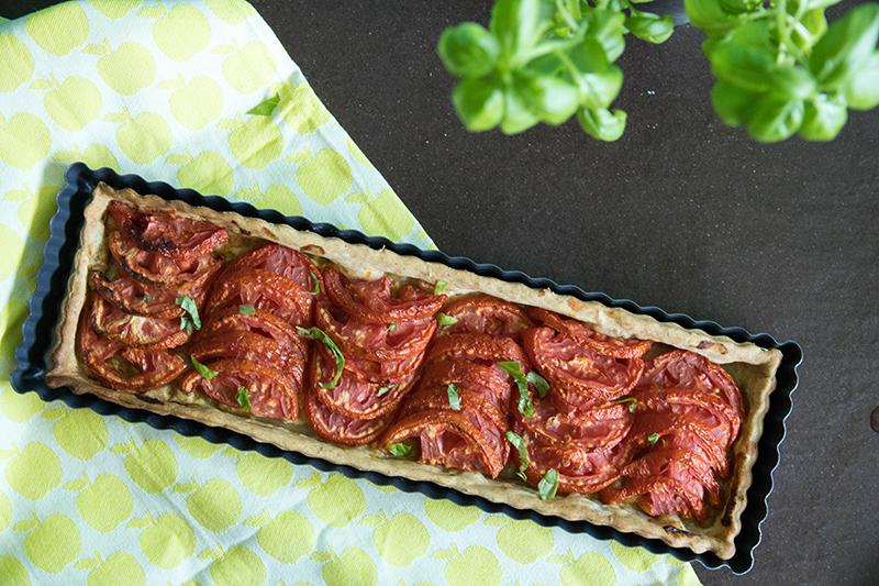 Recette de la tarte à la tomate aux herbes de Provence, avec ou sans thermomix - Avril sur un fil