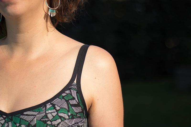 Robe centaurée : détails du biais d'encolure - Avril sur un fil