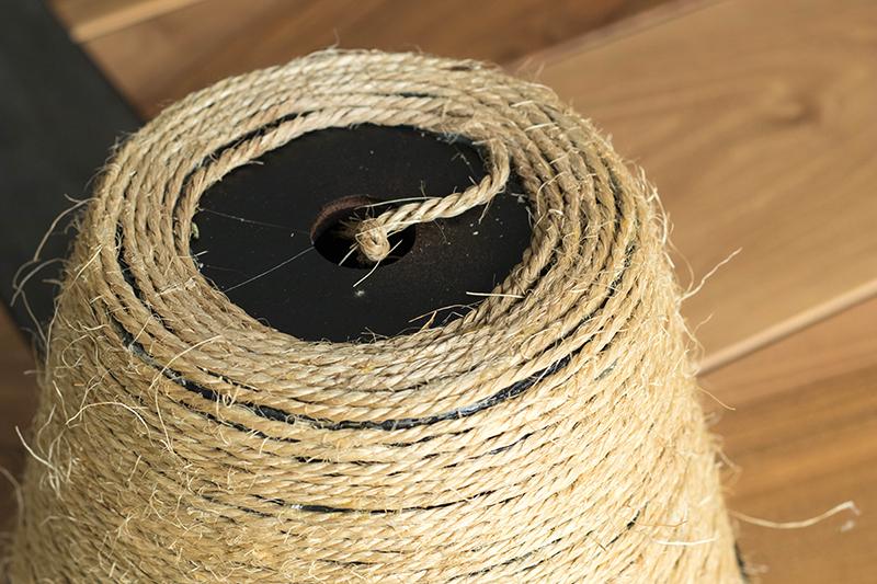 DIY cache pot tressé : vu de dessous - Avril sur un fil