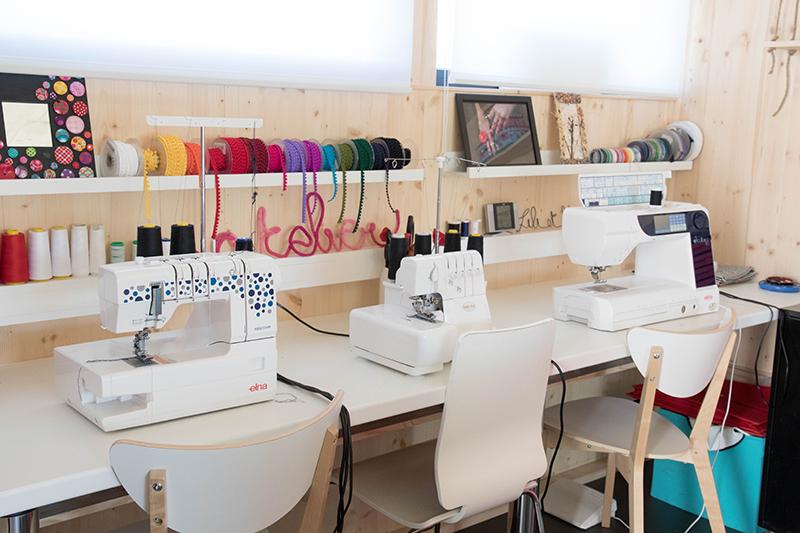 Atelier-tour : mes machines à coudre - Avril sur un fil