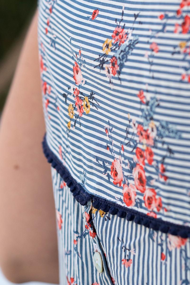 Galon de pompons sur ma blouse datura - Avril sur un fil