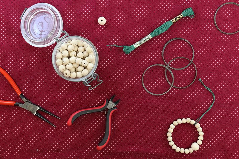 DIY : fabrique tes suspensions de Noël en perles de bois - Avril sur un fil