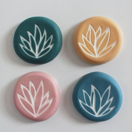 Idées cadeaux pour un noël plus éthique : magnet en porcelaine Sonia Oudry