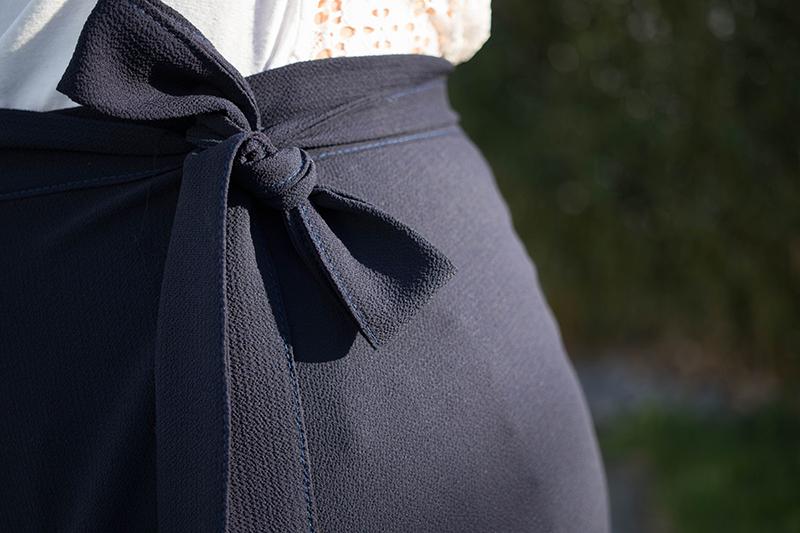 Noeud de ma jupe longue - Avril sur un fil