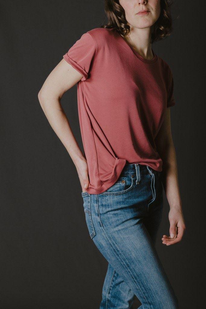 8 patrons de tee-shirt basiques à coudre : Jeanne de Ready to Sew / Avril sur un fil