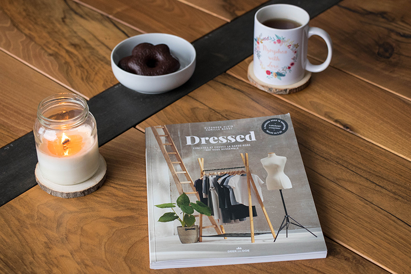 Dressed, le livre de Deer and Doe - Avril sur un fil