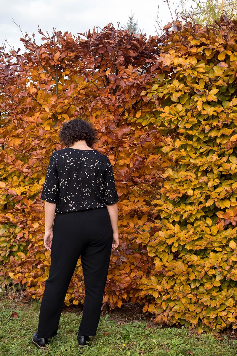 Dressed, le pantalon : vu de dos - Avril sur un fil