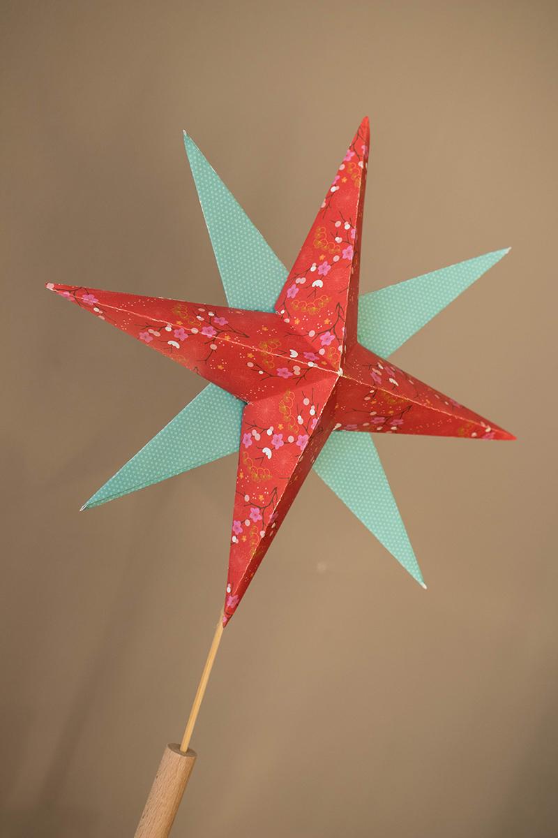 Etoile en origami pour le haut du sapin - Avril sur un fil