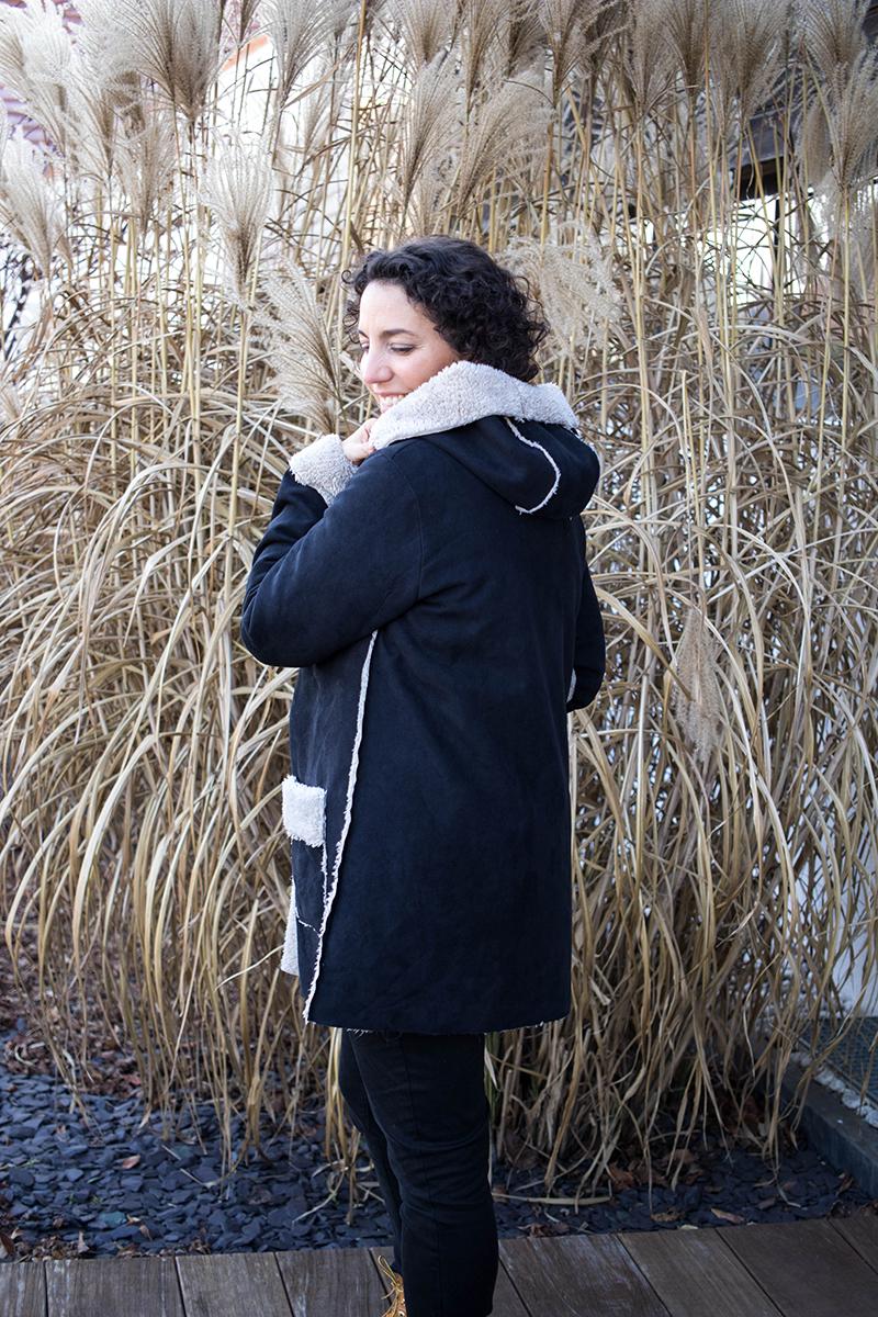 Mon manteau Magnésium de dos - Acril sur un fil