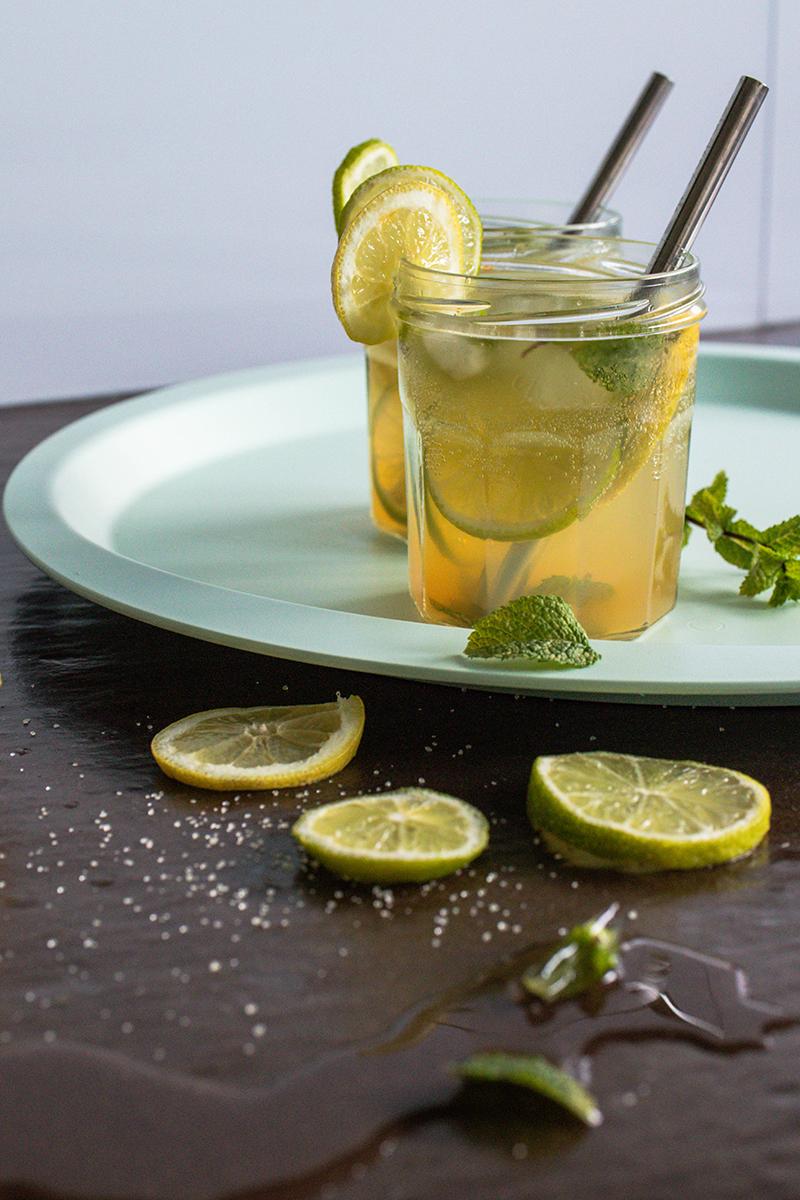 Cocktail sans alcool à base de menthe, citron et jus de pomme - Avril sur un fil