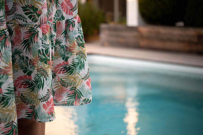 Tissu imprimé pour une robe d'été - Avril sur un fil