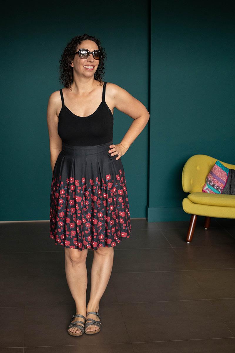 Couture : Jupe à fleurs et body noir - Avril sur un fil