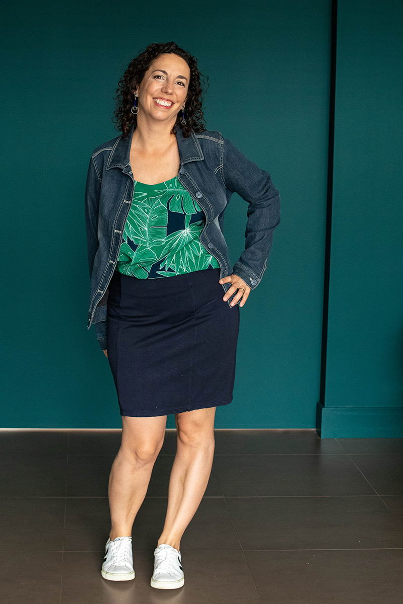 Tenue 1 : Top Ségur, Jupe Brume et veste en jean - Avril sur un fil