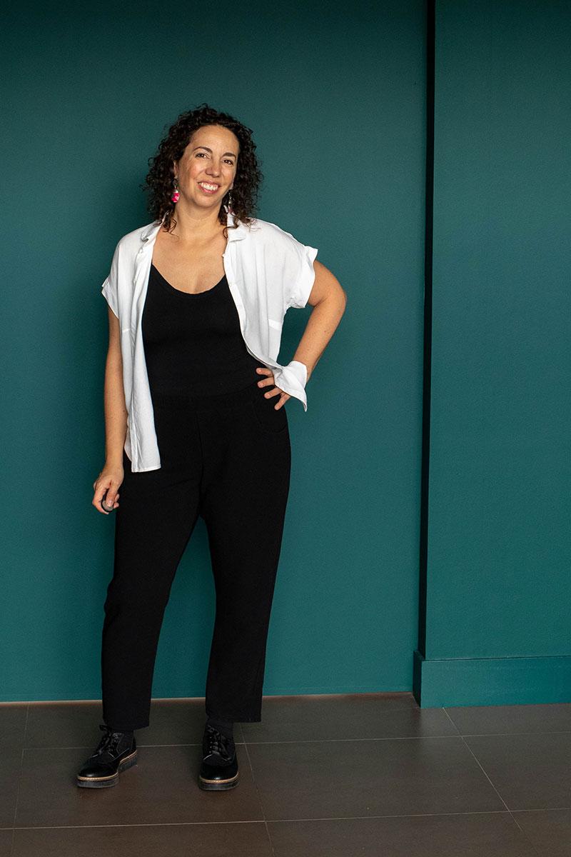 Look 2 : Chemise Mélilot, dressed le pantalon et body Ivonic - Avril sur un fil